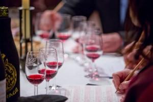 071 TAS032015 table verres vin rouge